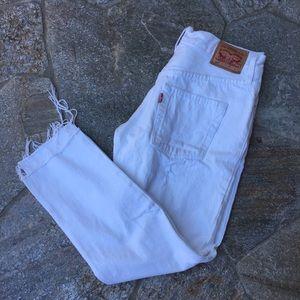 White vintage Levi's with raw hem size 27